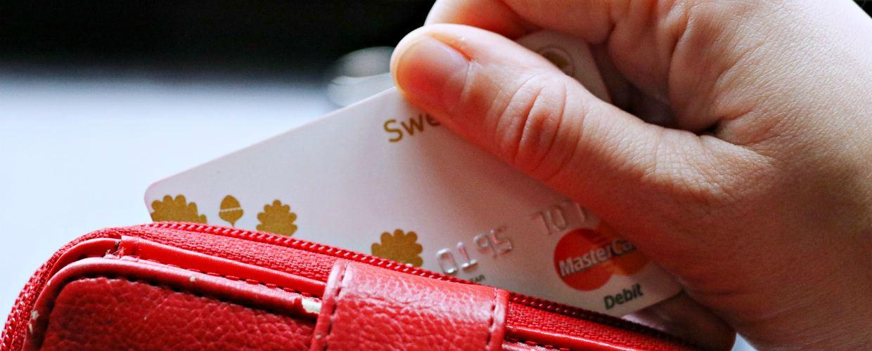 Новые правила выдачи зарплаты на карту с 6 августа 2019 года – отмена зарплатного рабства