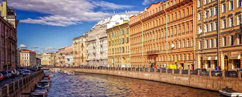 Выплаты и льготы ветеранам труда в Санкт-Петербурге в 2020 году