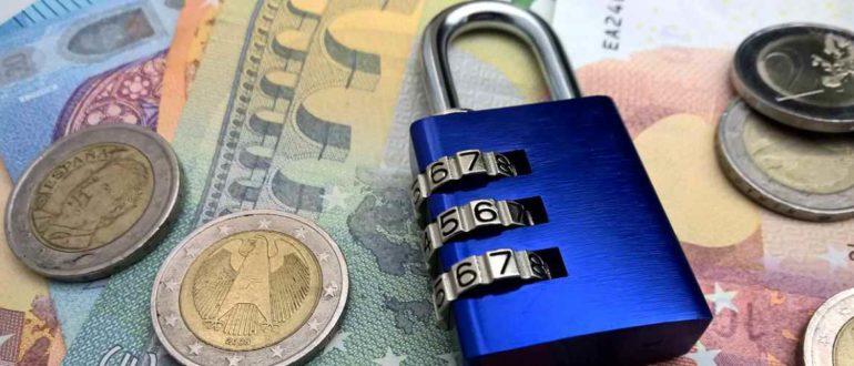 Запрет взыскания долгов с пенсий и социальных выплат по исполнительному листу – что важно знать?