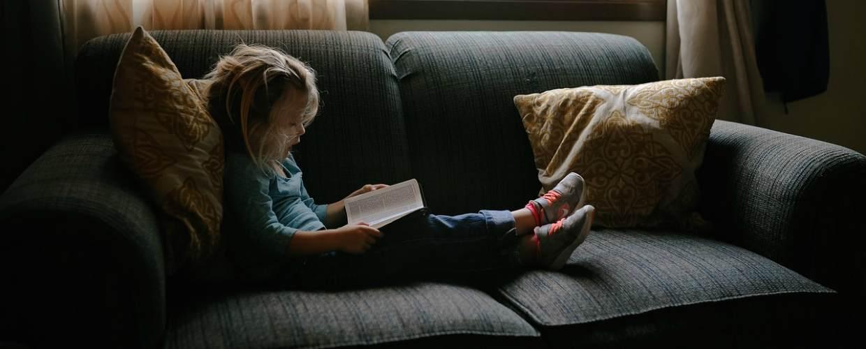 С какого возраста ребенка можно оставлять одного дома по закону в РФ в 2020-2021 годах?