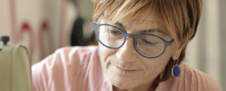 Как оформить больничный для работающих пенсионеров старше 65 лет в 2021 году – будет ли продление?